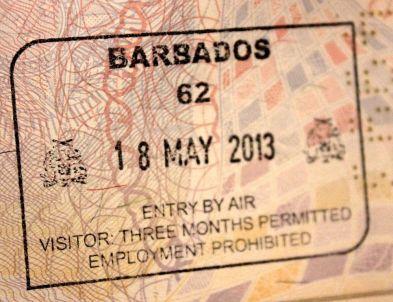Barbados_-_Aeroporto_de_Bridgetown_-_Entrada.JPG