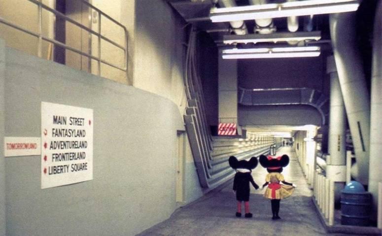 disneytunnel3-930x6771.jpg
