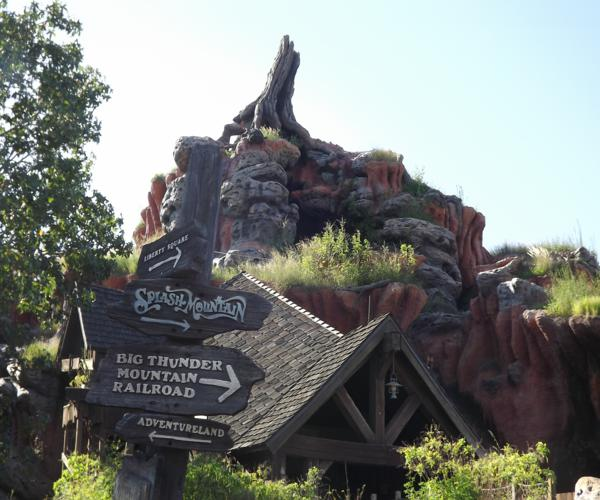 Splash_Mountain_Walt_Disney_World_Magic_Kingdom_October_2011
